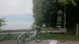 湖国バス 近江山梨子バス停から琵琶湖を望む
